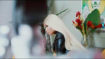 Nicki Minaj Breakes the Internet